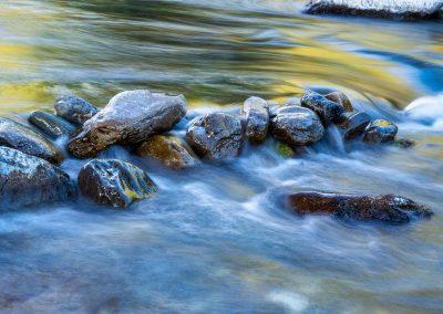 Piedras en un rio